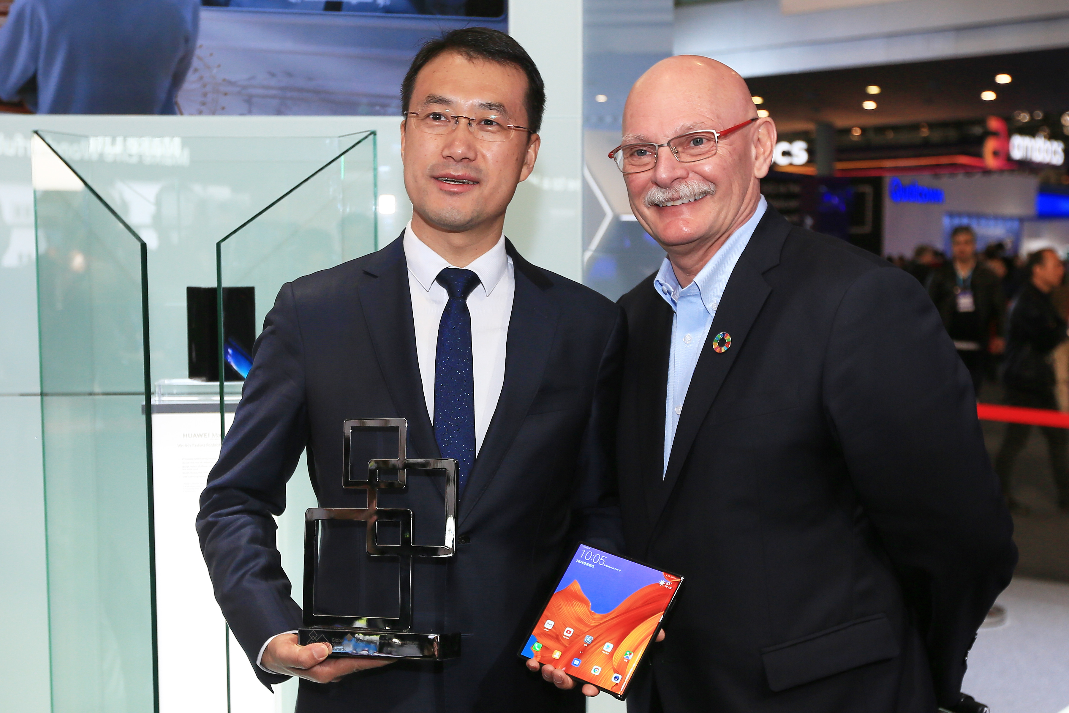 HUAWEI Mate X Wins GLOMO Award for Best New Connected Mobile Device at MWC19 Barcelona
