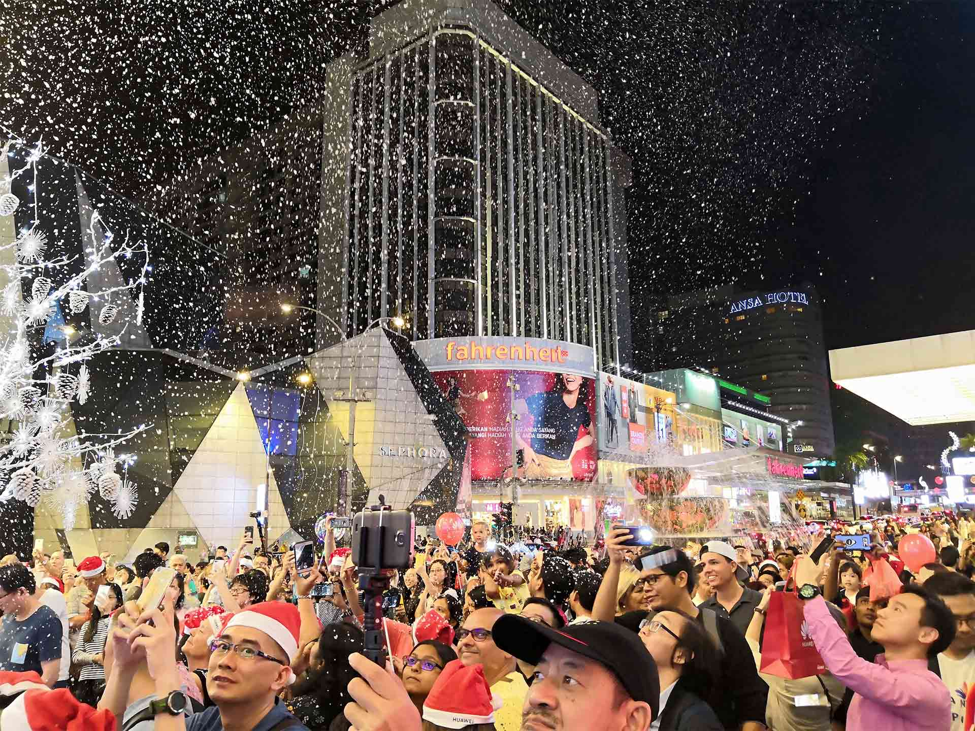 Huawei snowy Christmas at Pavilion KL